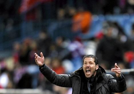 Atletico Madridin valmentaja Diego Simeone elehti kiivaasti Espanyolia vastaan käydyssä Espanjan liigan ottelussa helmikuussa Madridissa.