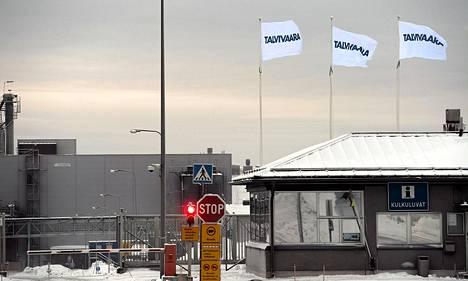 Talvivaaran kaivoksen pääportti Sotkamossa joulukuun puolivälissä.
