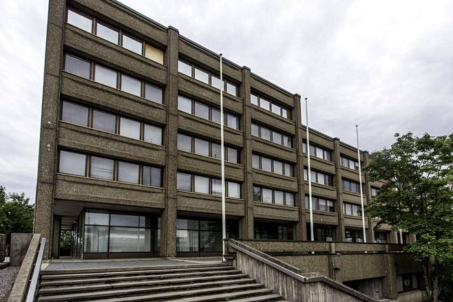 Kaupunginvaltuusto päätti purkaa Espoon kaupungintalon ja rakentaa sen tilalle asuntoja.