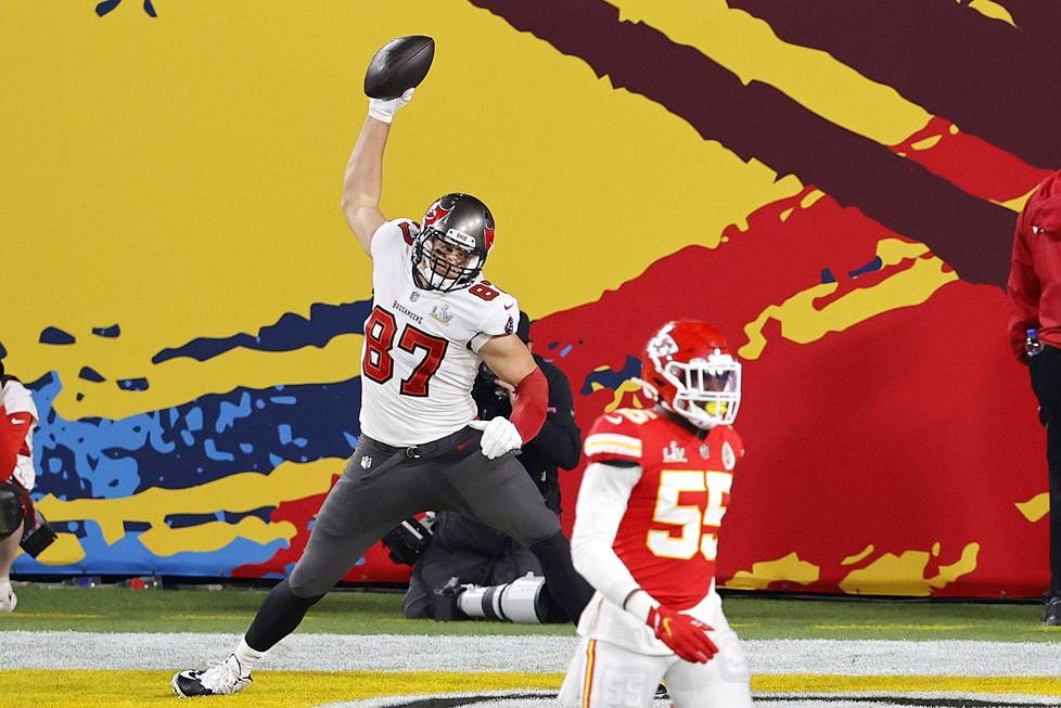 Rob Gronkowski was able to showcase his trademark ventilation Gronk Spike in his Super Bowl, where the ball is thrown with force towards the ground.