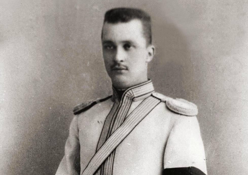 Carl Gustaf Mannerheim ei koskaan opiskellut arvostetuimmassa venäläisessä sotilasoppilaitoksessa, yleisesikunta-akatemiassa.