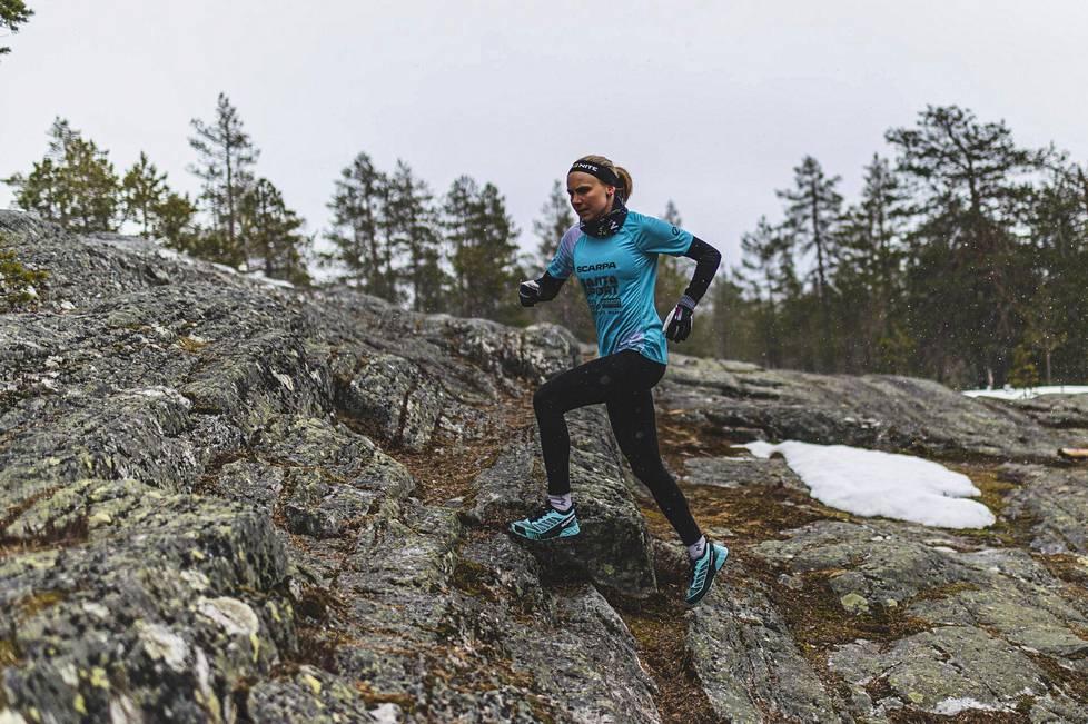 Susanna Saapunki alkoi lisätä juoksun osuutta harjoittelussaan maaliskuun alussa. Aikaisemmin hänen harjoittelustaan noin viidennes oli juoksua.