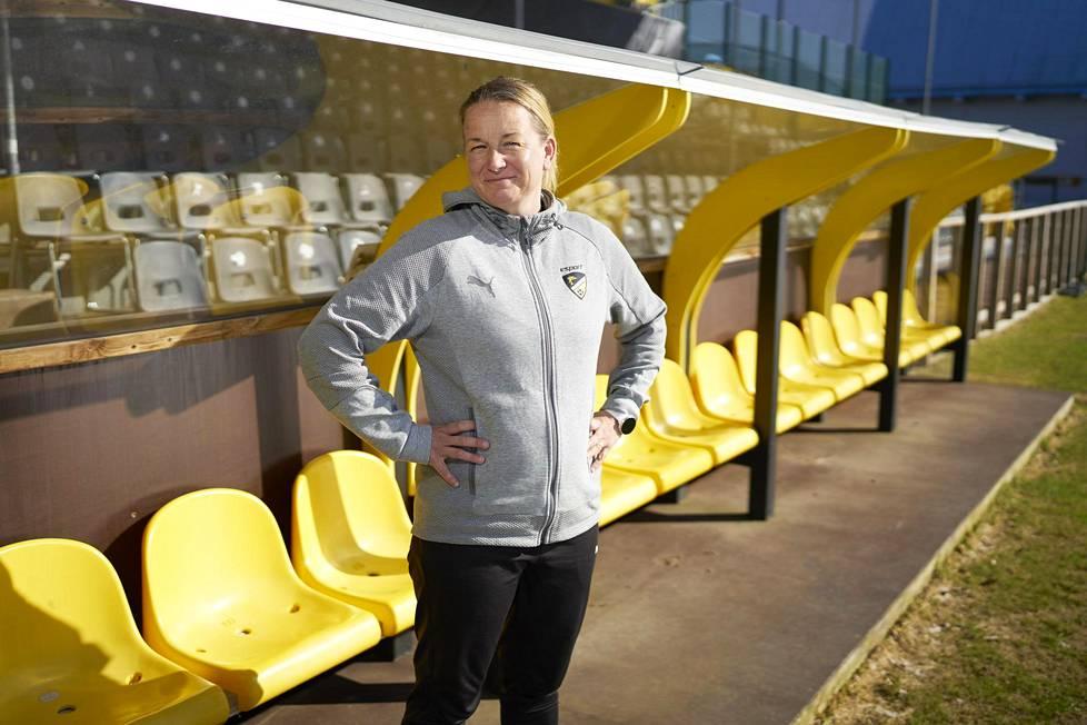 Rosa Lappi-Seppälä on aloittanut sopimuksensa kolmannen ja viimeisen vuoden FC Hongan päävalmentajana.