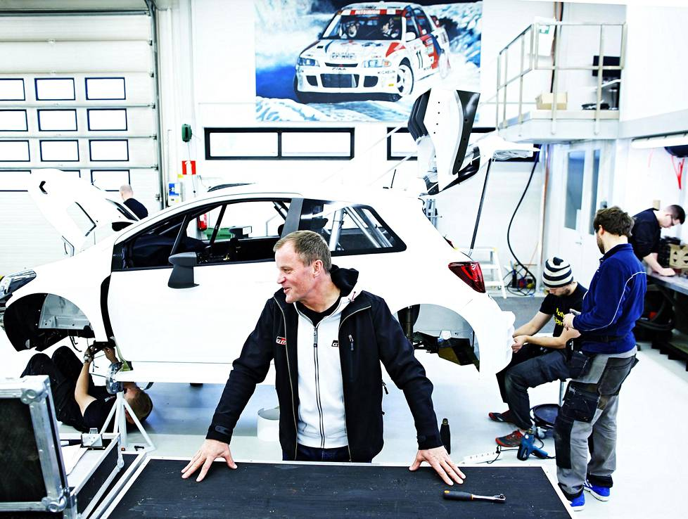 In October 2016, Tommi Mäkinen presented a new Toyota rally car to HS in Puuppola.  At the same time, he was careful that the car could only be photographed from the side.