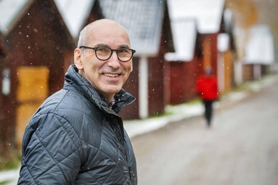Juha T. Hakala on nähnyt työssään, että huipputuloksia hakevat eivät ehkä uskalla aloittaa koko projektia, vaan he lyyhistyvät sijaistoimintoihin. Niin voi käydä esimerkiksi gradua tekeville opiskelijoille.