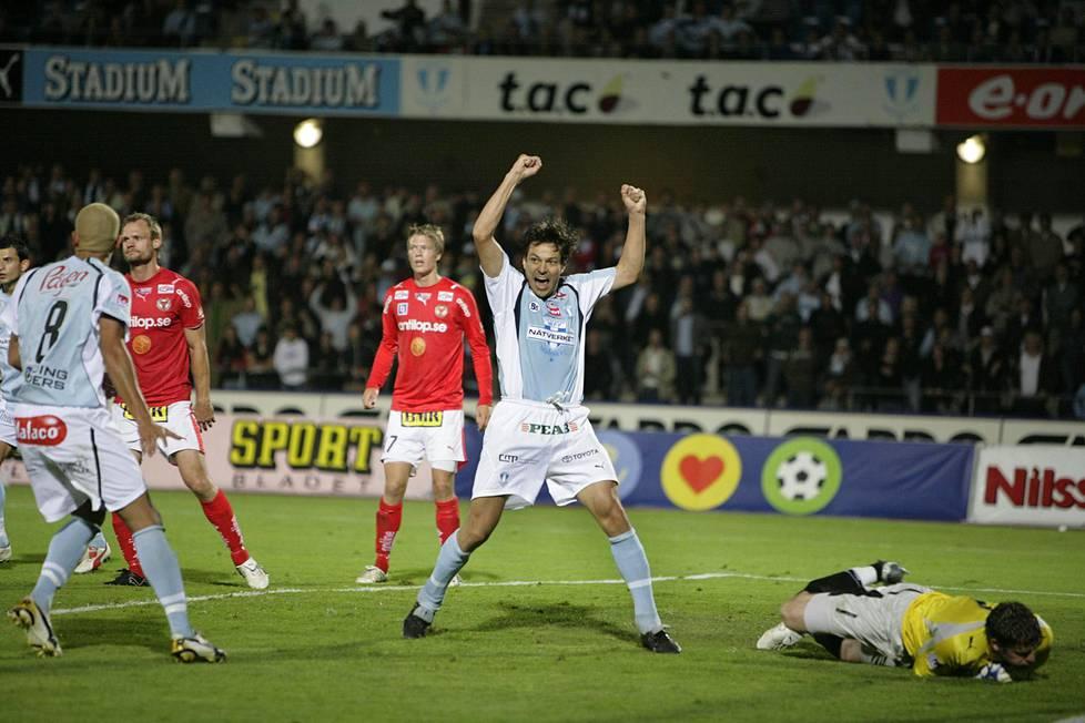 Vuonna 2005 Jari Litmanen siirtyi Malmön riveihin pelaamaan Ruotsin pääsarjaa.