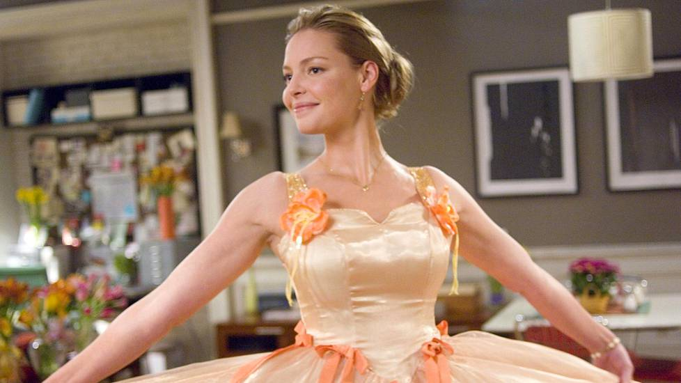27 Dresses: Jane (Katherine Heigl) on ikuinen kaaso.