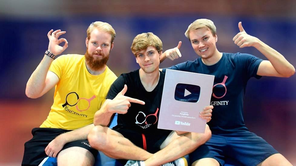 Otto Tennilän (vas.), Miikka O'Connorin ja Emil Rantatulkkilan muodostama Pongfinity on kasvattanut Youtube-tilaajiensa määrää tänä vuonna yli 500 000:lla.