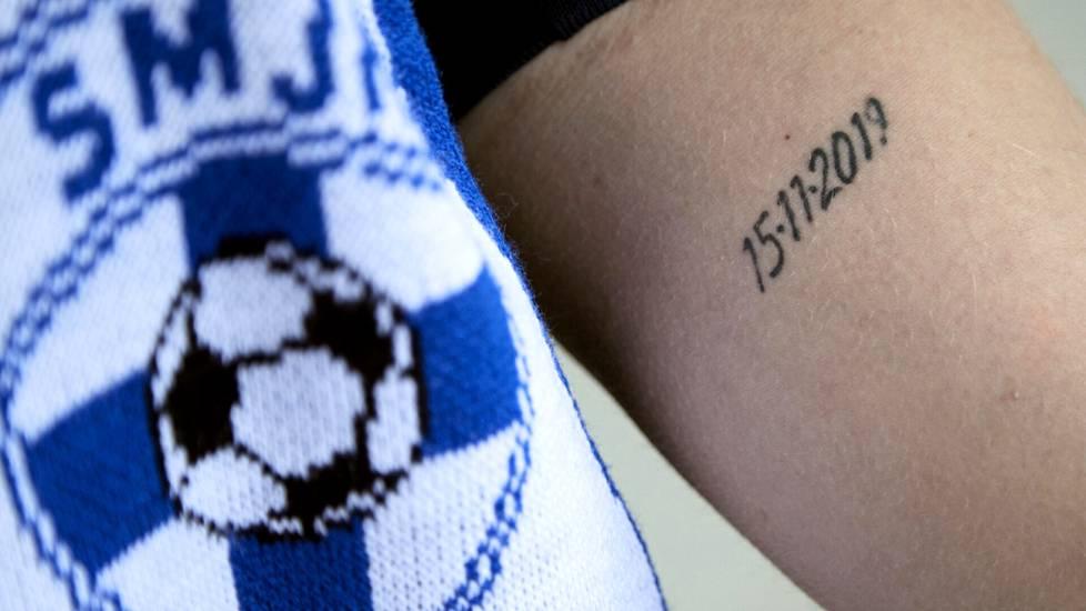 Joni Haltian käteen on tatuoitu tärkeä päivämäärä. Marraskuussa 2019 ratkesi Huuhkajien historiallinen pääsy jalkapallon EM-kisoihin.