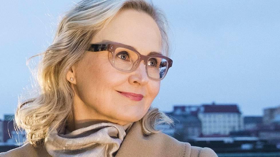 Kansanedustaja Eeva-Johanna Eloranta, 51, on Sdp:n kansanedustaja. Hänen isoisoisä Evert Eloranta kuului punaisten johtajiin.