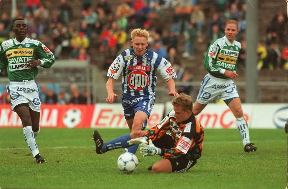 Mikael Forssell teki Veikkausliiga-uransa ensimmäisen maalin elokuussa 1998 RoPSia vastaan.