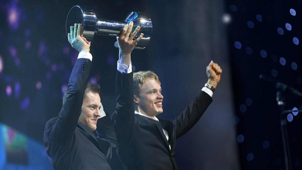 Olympiavoitto toi Sami Jauhojärvelle ja Iivo Niskaselle myös Vuoden urheilijan tittelin 2014.