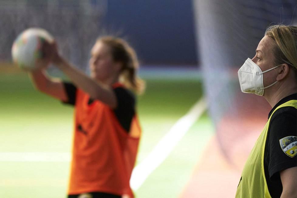 Rosa Lappi-Seppälä sanoo, että talven harjoituskaudella hänelle selvisi, että hänen joukkueellaan on tahtoa voittaa mestaruus.