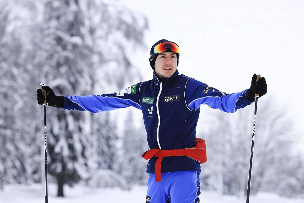 """""""Jos pääsee katsomaan yhtä maailman parhaista hiihtäjistä lähietäisyydeltä useamman vuoden ajan, niin siitä oppii väkisinkin jotain"""", Ilkka Herola sanoo."""
