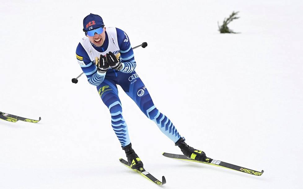 Iivo Niskanen viihtyi kärjessä 50 kilometrin alkupuoliskolla.