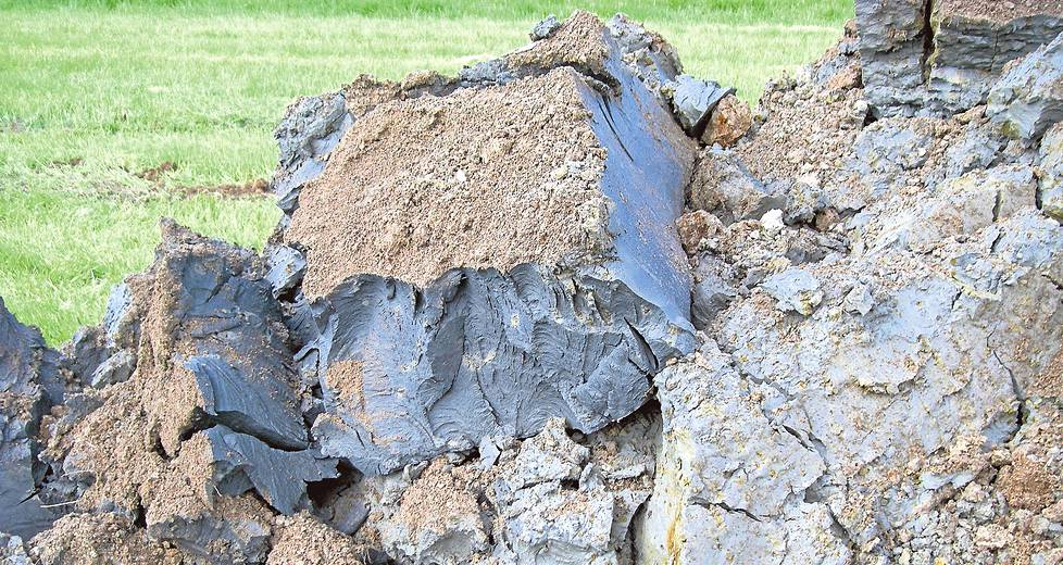 Suomen rannikolla on paljon sulfidisavea, joka kuivana muuttuu happamaksi sulfaattimaaksi. Se haittaa esimerkiksi rakentamista. Eteläisessä Suomessa ongelmaan on vasta herätty.