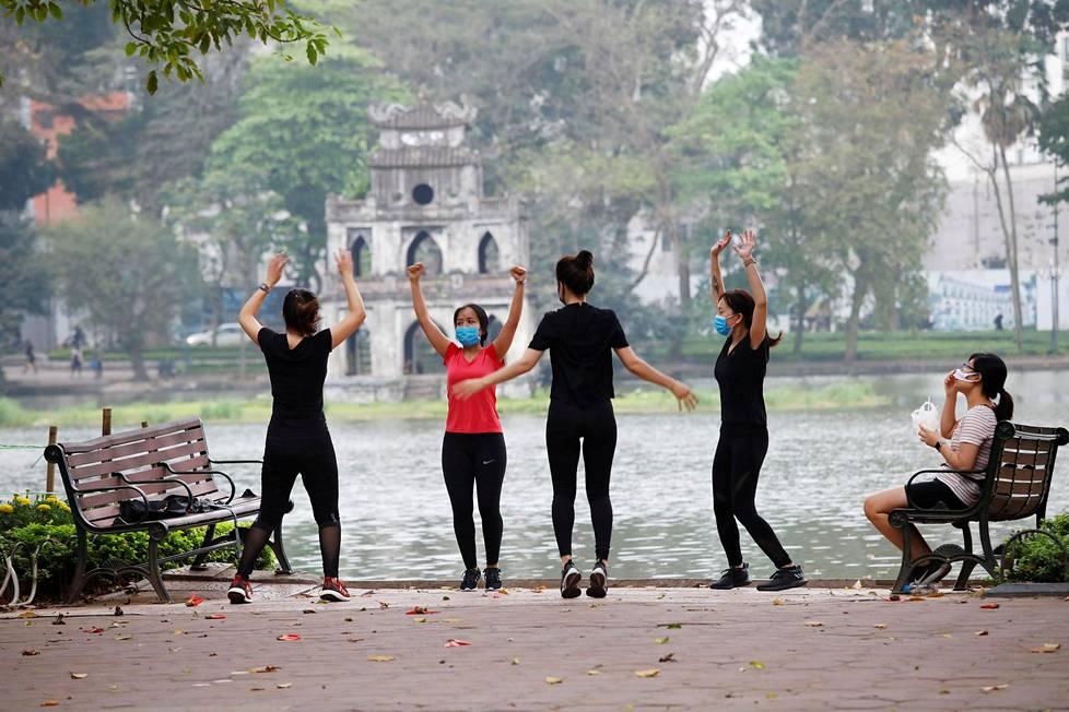 Kiinan eteläinen naapuri Vietnam on yksi niistä tropiikin maista, joissa on yllättävän vähän tartuntoja tiedossa, vain runsaat kaksisataa.