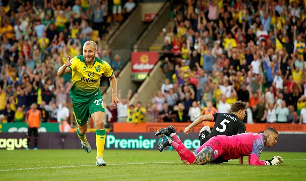 Teemu Pukki juhli edellistä valioliigamaaliaan 14. syyskuuta 2019. Tuolloin Pukki viimeisteli Norwichin kolmannen maalin Manchester Cityn verkkoon.
