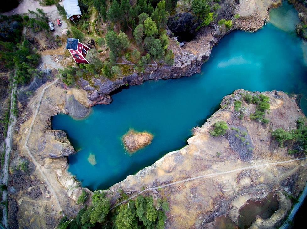 Kristjan Kongo: The Blue Lagoon