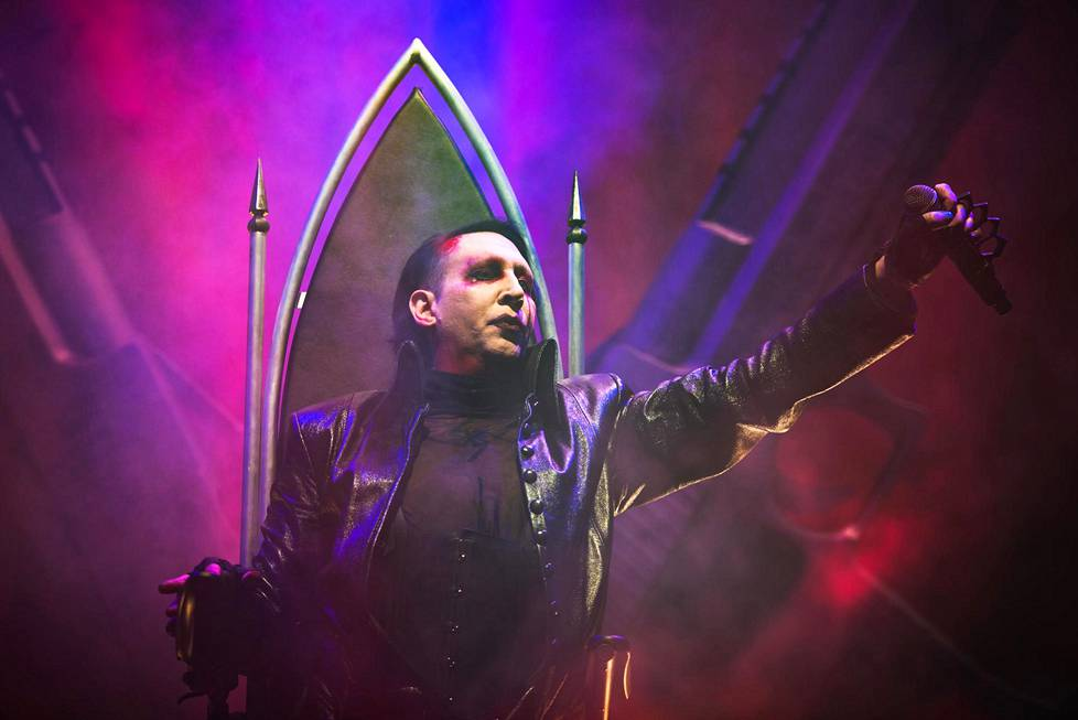 Marilyn Manson konserttilavalla Torinossa Heaven Upside Down -kiertueella marraskuussa 2017.