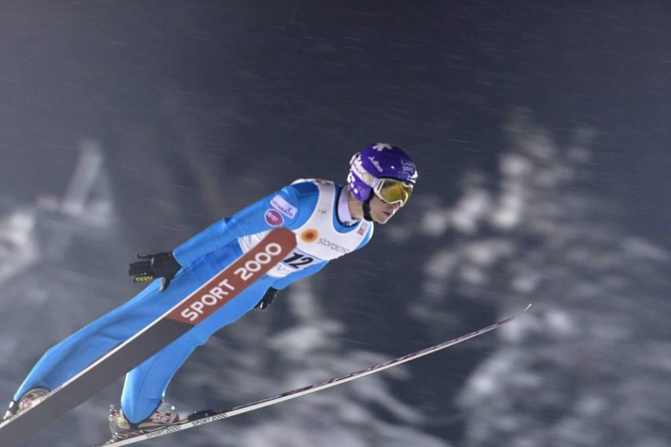 Ville Larinto hyppäsi karsinnassa lentomäkikisan pituusennätyksensä 211 974c8c0fe2