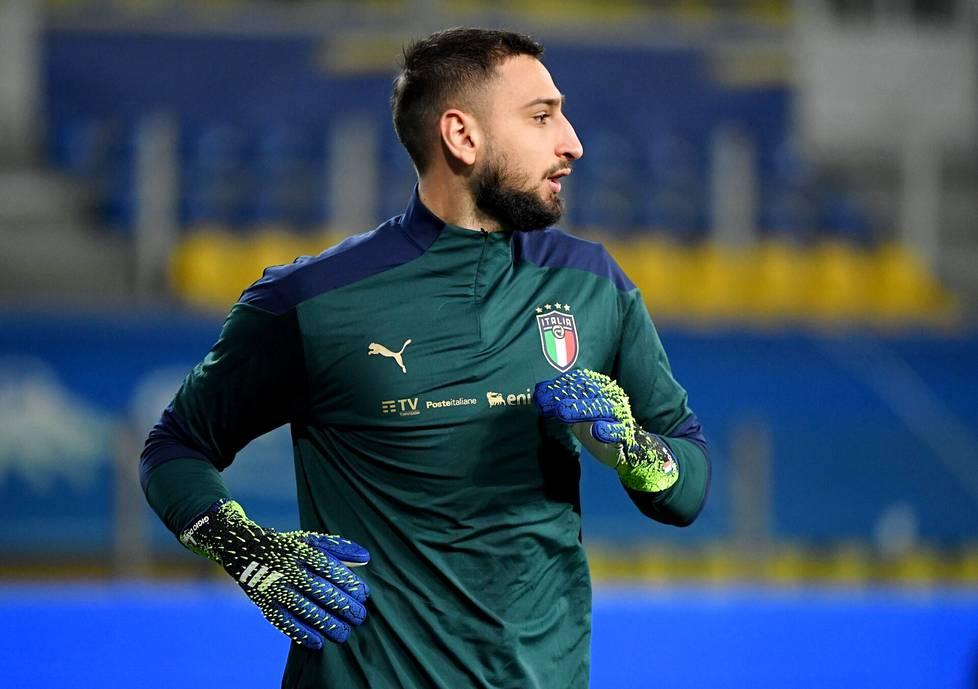 Gianluigi Donnarumma on vakiinnuttanut paikkansa Italian ykkösmaalivahtina.
