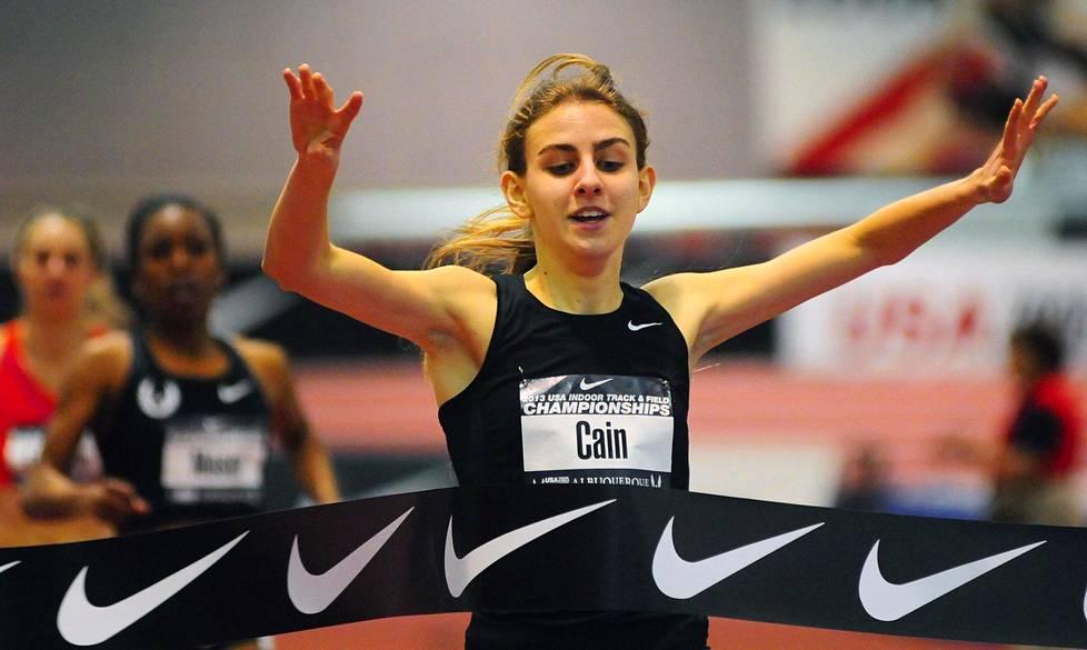 Vuonna 2013 Mary Cain voitti Yhdysvaltojen sisäratojen mailin juoksun mestaruuden.