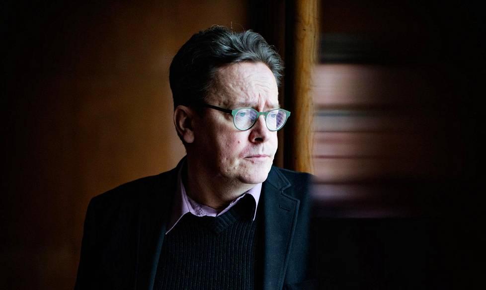 Timo Honkela on 54-vuotias professori, joka tutkii tekoälyä.