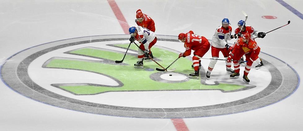 Tšekki ja Venäjä kohtasivat Bratislavassa jääkeikon MM-kisoissa 2019. Vuoden 2020 kisat peruuntuivat koronaviruspandemian vuoksi.