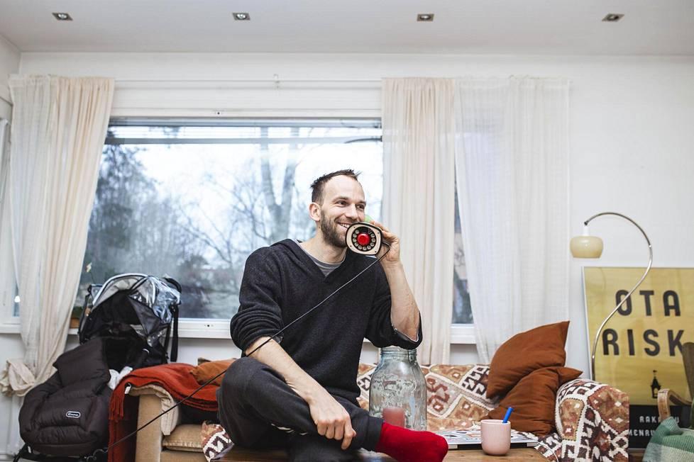 On tietynlainen turvallisuusasia, että vanhemmat voivat soittaa lankapuhelimeen, Jesper von Hertzen sanoo.