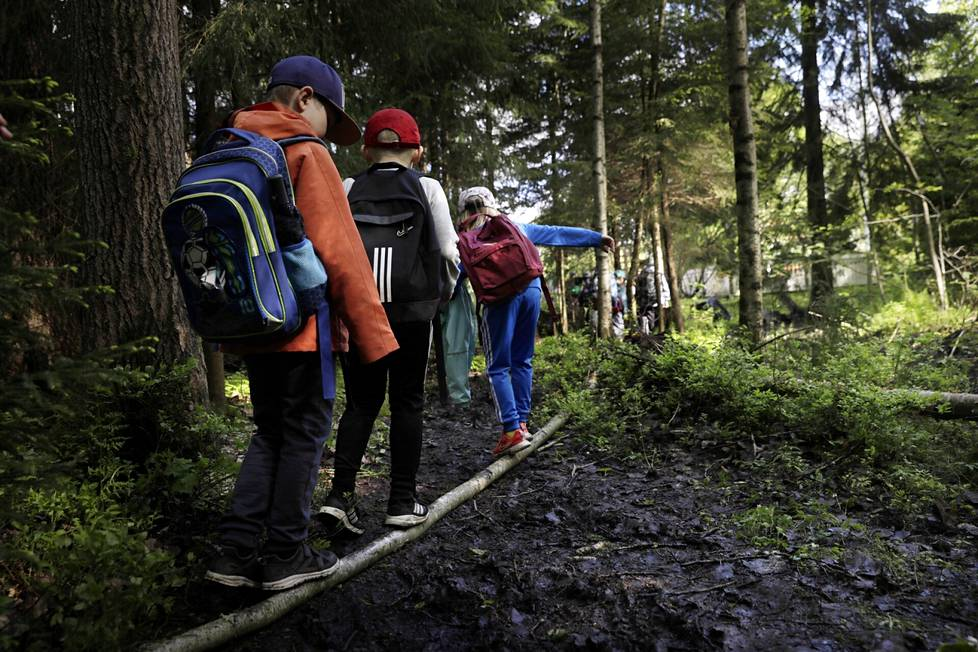Metsä tarjoaa myös hyvää harjoittelua motoriikalle.