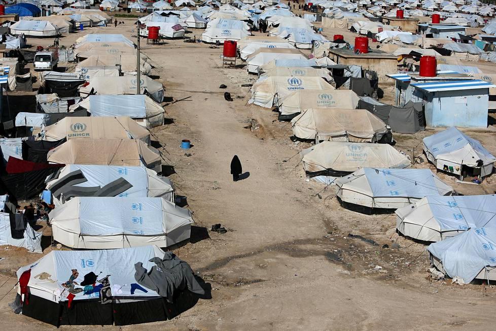 Syyriassa al-Holin leirillä on kiinniotettuina yhteensä kymmeniä suomalaisia naisia ja lapsia.