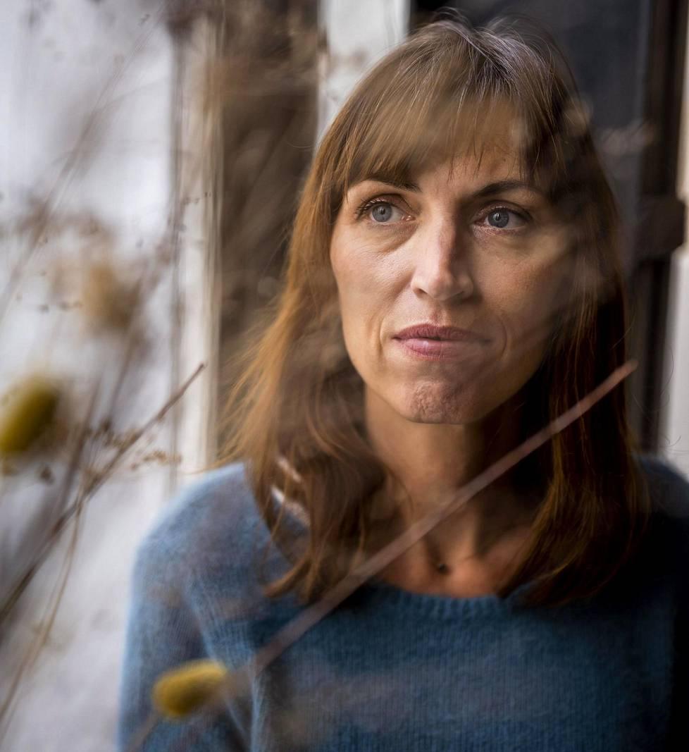 Vanessa Springoran kirja Suostumus on herättänyt keskustelua jo monessa maassa ja siitä ollaan tekemässä elokuva.