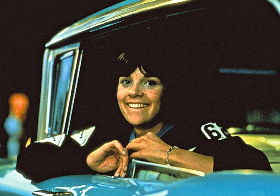 Laurie Henderson (Cindy Williams) on svengijengiläisiä.