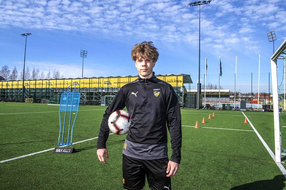 Hongan Niklas Pyyhtiä pelasi ensimmäisen kerran Veikkausliigassa 16 vuotiaana.