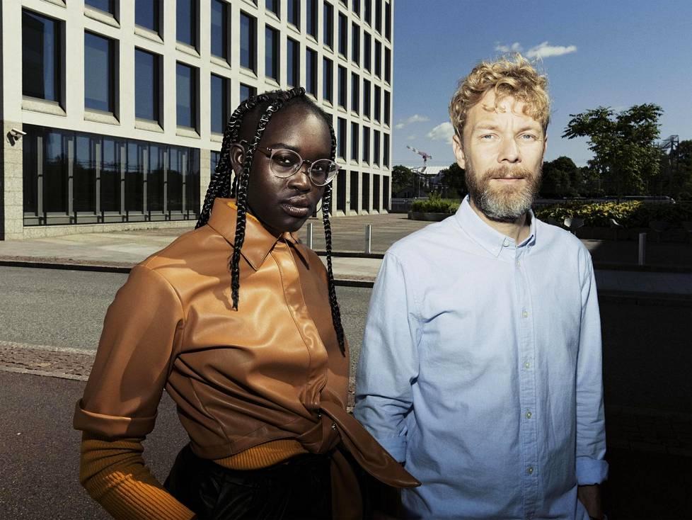 Ajak Majok ja Miika Tervonen ovat yhtä mieltä siitä, että suomalaisten minäkuva kaipaa haastamista.