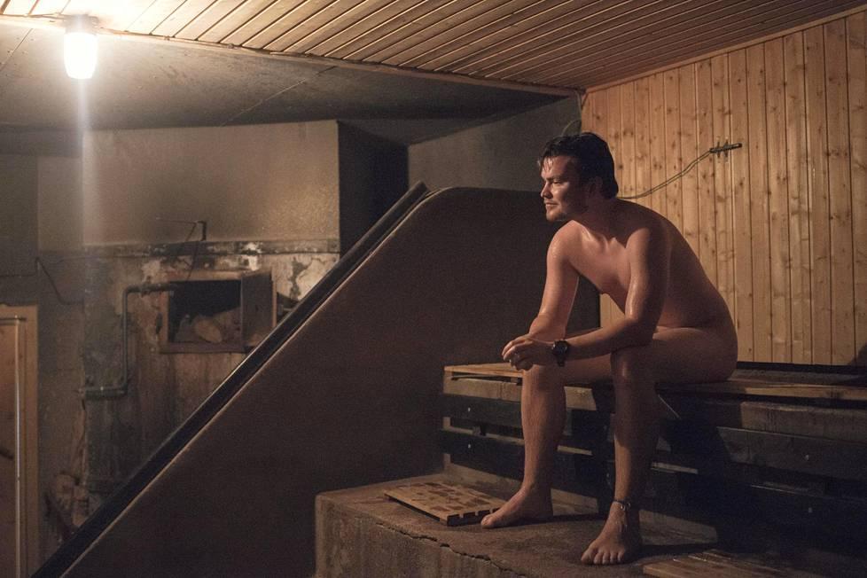 Marcus Wenzel löylytteli Harjutorin saunan lauteilla 2015.