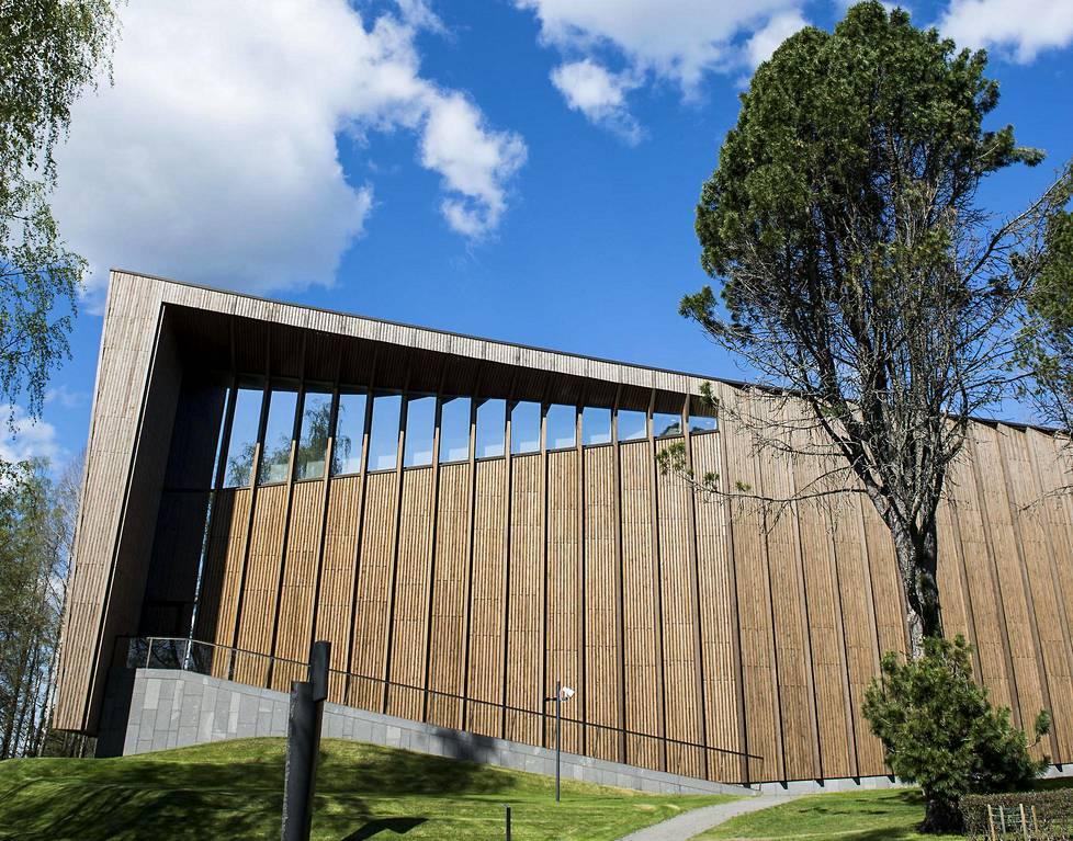 Taidemuseo Göstä avattiin jo vuonna 1945, mutta nykytaiteen se otti ohjelmaansa vasta viime vuosikymmenellä. Kuva kesältä 2016.