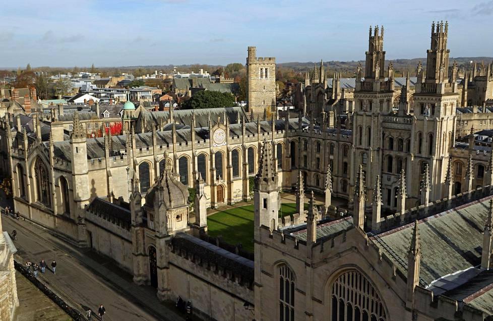 Oxfordin keskusta on täynnä historiallisia rakennuksia.