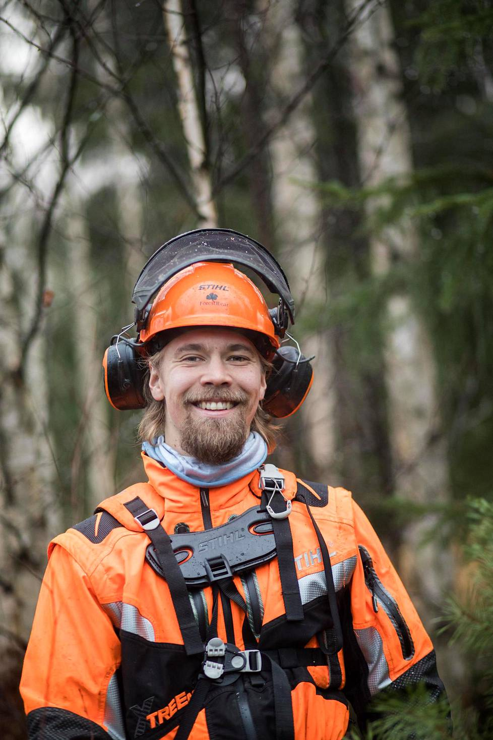 Roope Tonteri is studying to be a lumberjack with an apprenticeship.