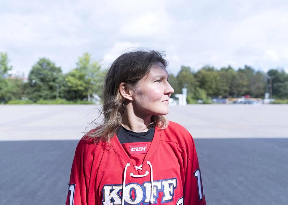 Karoliina Rantamäki on HIFK:n kapteeni alkavalla naisten Liigan kaudella.