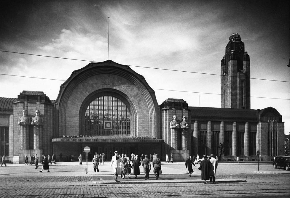 Rautatieasema 1950-luvulla.