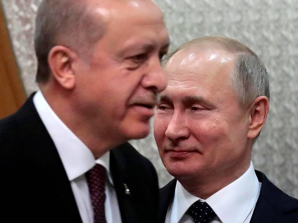 Turkin presidentti Recep Tayyip Erdoğan ja Venäjän presidentti Vladimir Putin Sotšissa helmikuussa 2019.
