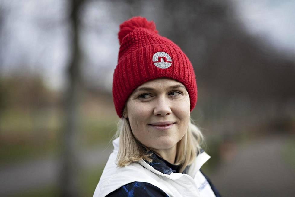 """""""Iän puolesta minulla olisi ollut vielä monta pelivuotta jäljellä, mutta halusin laittaa perheen etusijalle"""", 35-vuotias Minea Blomqvist-Kakko sanoo."""