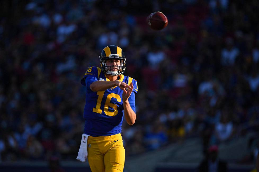 Jared Goff johdatti Los Angeles Ramsin voitton Seattle Seahawksista.