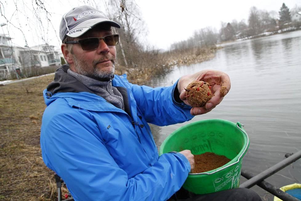 Seppo Pöinnin mäskipallon resepti on 15 vuotta vanha. Sen perusainesosa on leipäjauho, mutta se sisältää muitakin.