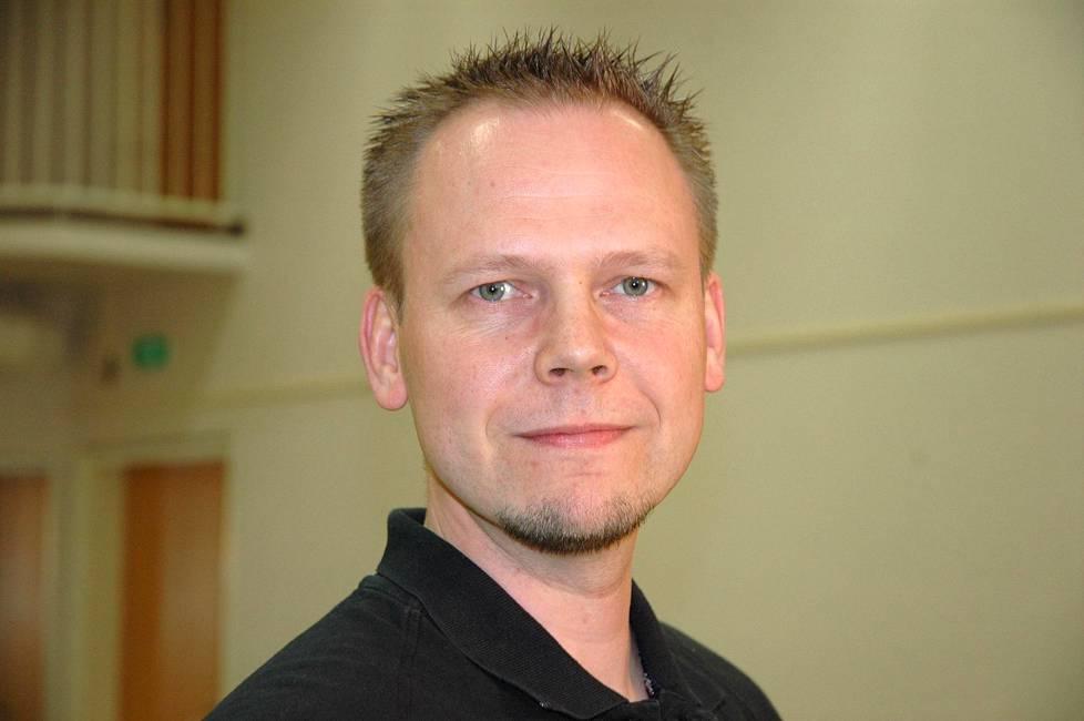 Pekka Lehdes aloitti Judoliiton toiminnanjohtajana vuonna 1997. Hänet irtisanottiin maaliskuussa.