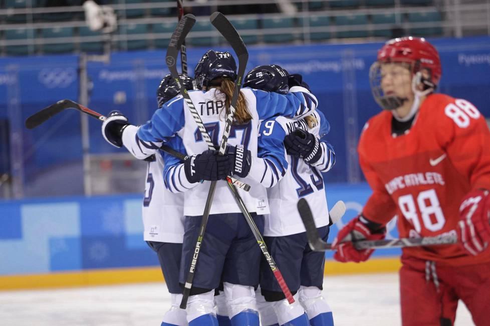 Suomi pelasi Pyeongchangin olympialaisissa naisten jääkiekon pronssiottelussa venäläisiä olympiaurheilijoita vastaan. Joukkue pelasi ilman maatunnuksia.
