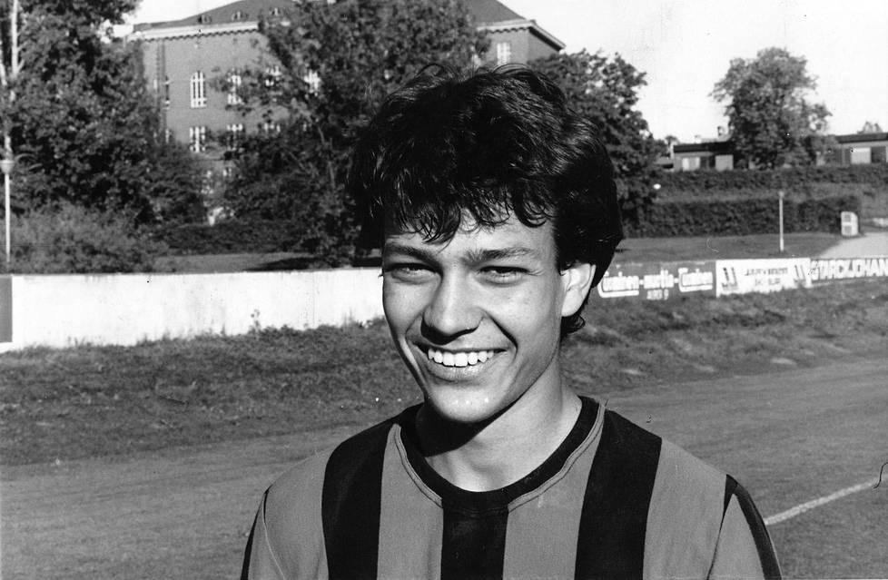 Vuonna 1988 Jari Litmanen edusti Lahden Reipasta.