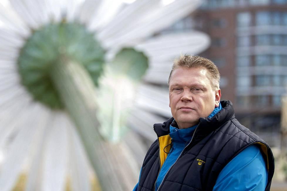 Pekka Virta on Turusta lähtöisin, mutta ehti pelaajauralla edustaa myös Lukkoa. Kuva huhtikuulta 2019.
